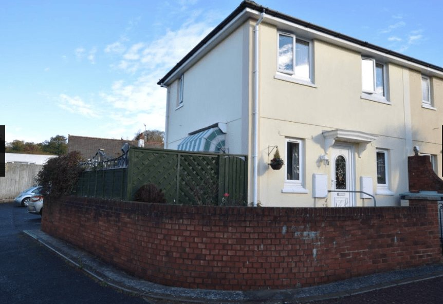 Best 2 Bed House End Of Terrace To Rent Teignmouth Road With Pictures