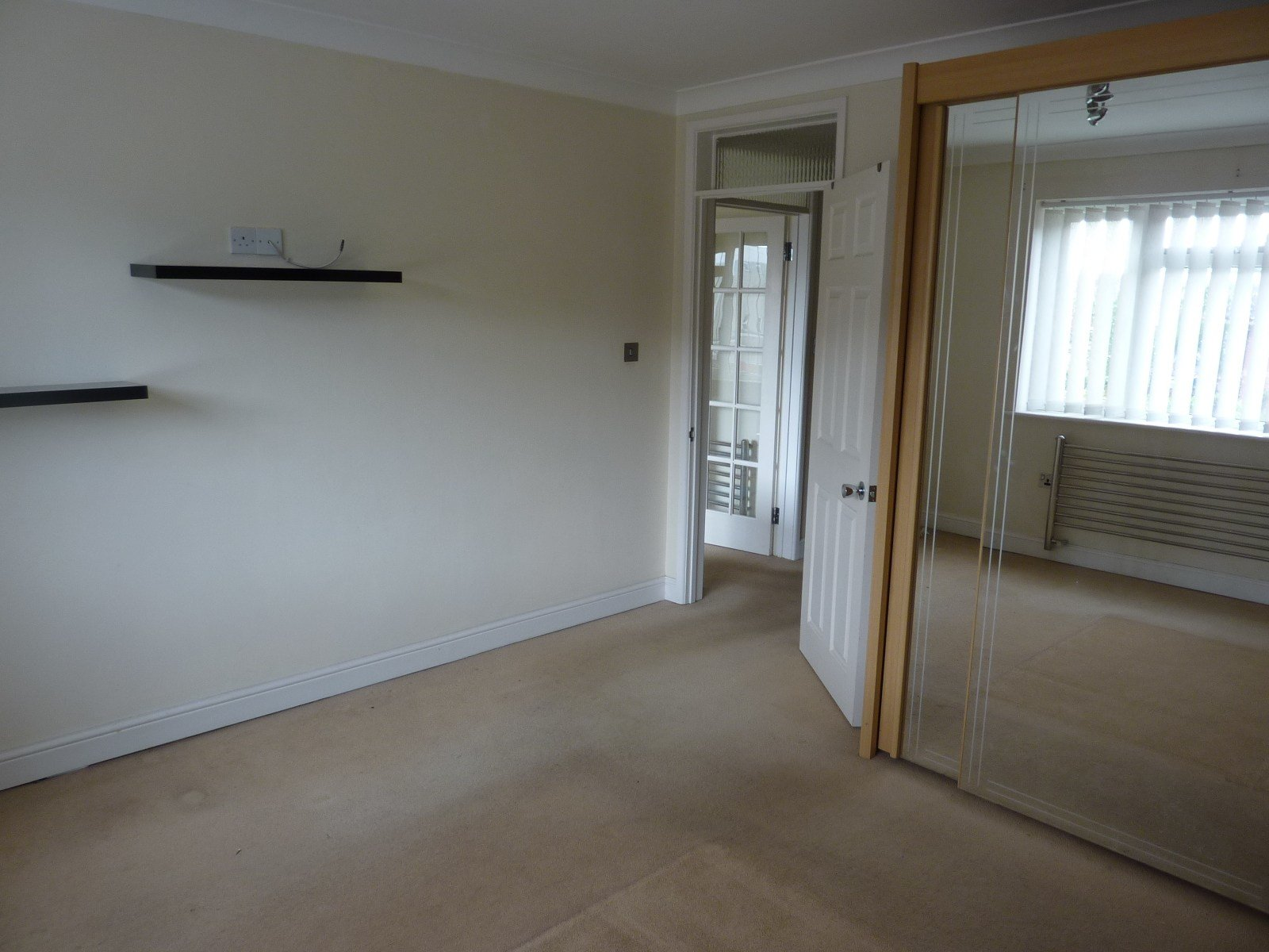 Best 2 Bed Flat To Rent Bournemouth Road Poole Bh14 0Ex With Pictures