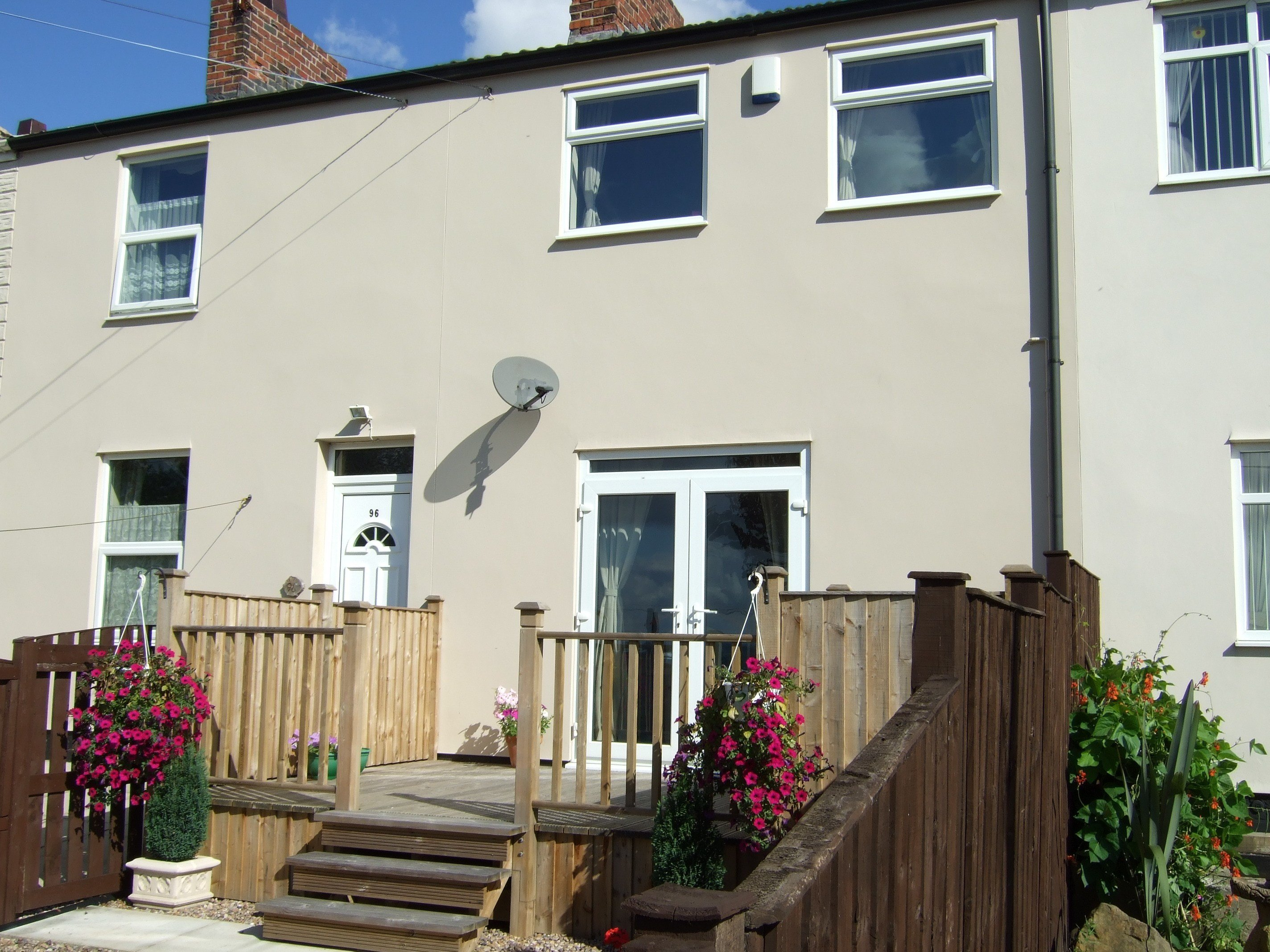 Best 2 Bed House Terraced To Rent High Street Wakefield With Pictures