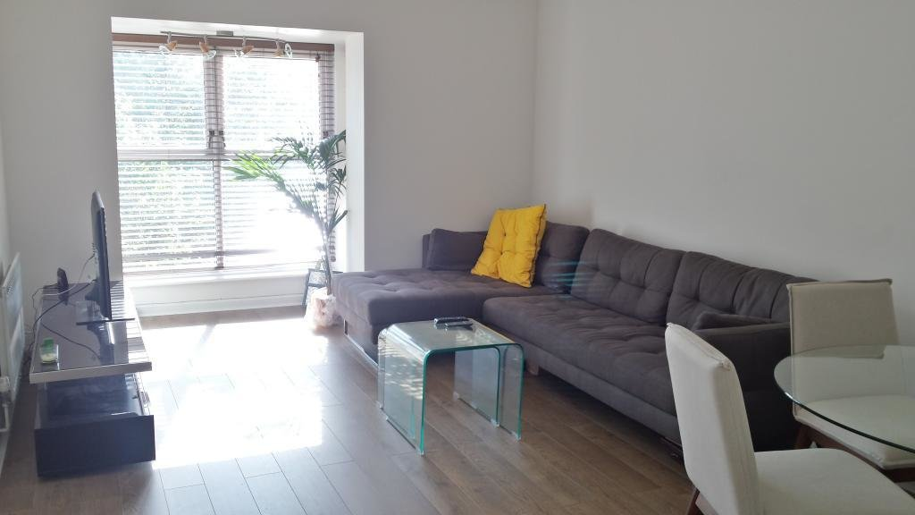 Best 2 Bed Flat To Rent Portsmouth Mews London E16 1Uj With Pictures