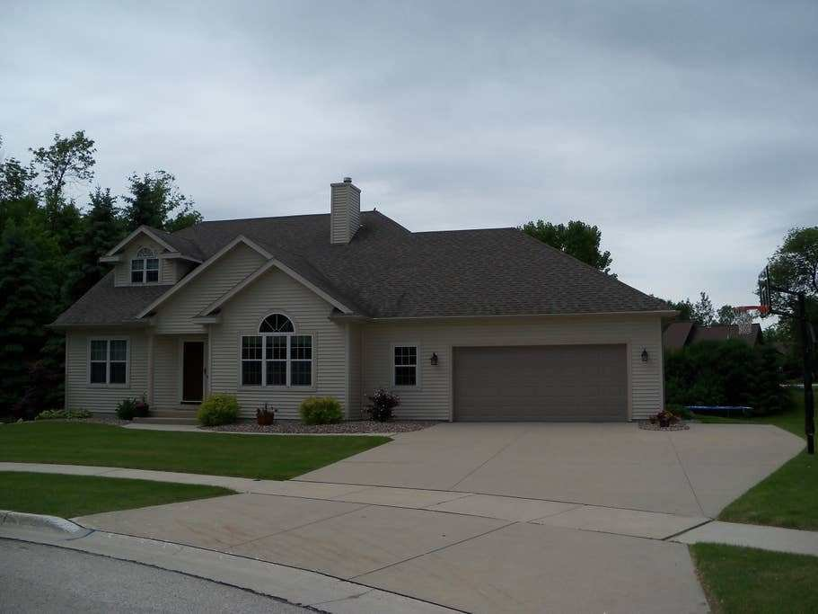 Best 4 Bedroom 3 Bath Home In Plymouth Houses For Rent In With Pictures
