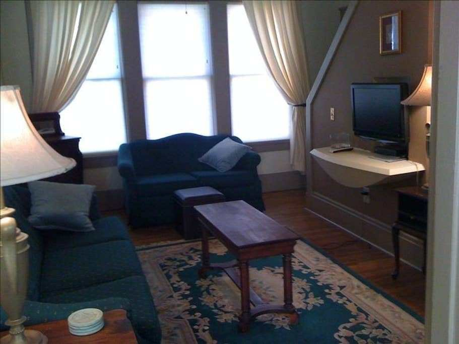 Best Belvedere Suites 2 Bedroom Suite 2 Serviced Apartments With Pictures