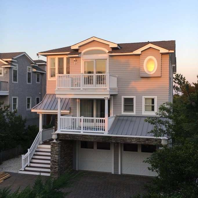 Best Luxury Oceanfront Beach House Lbi Houses For Rent In Barnegat Light New Jersey United States With Pictures