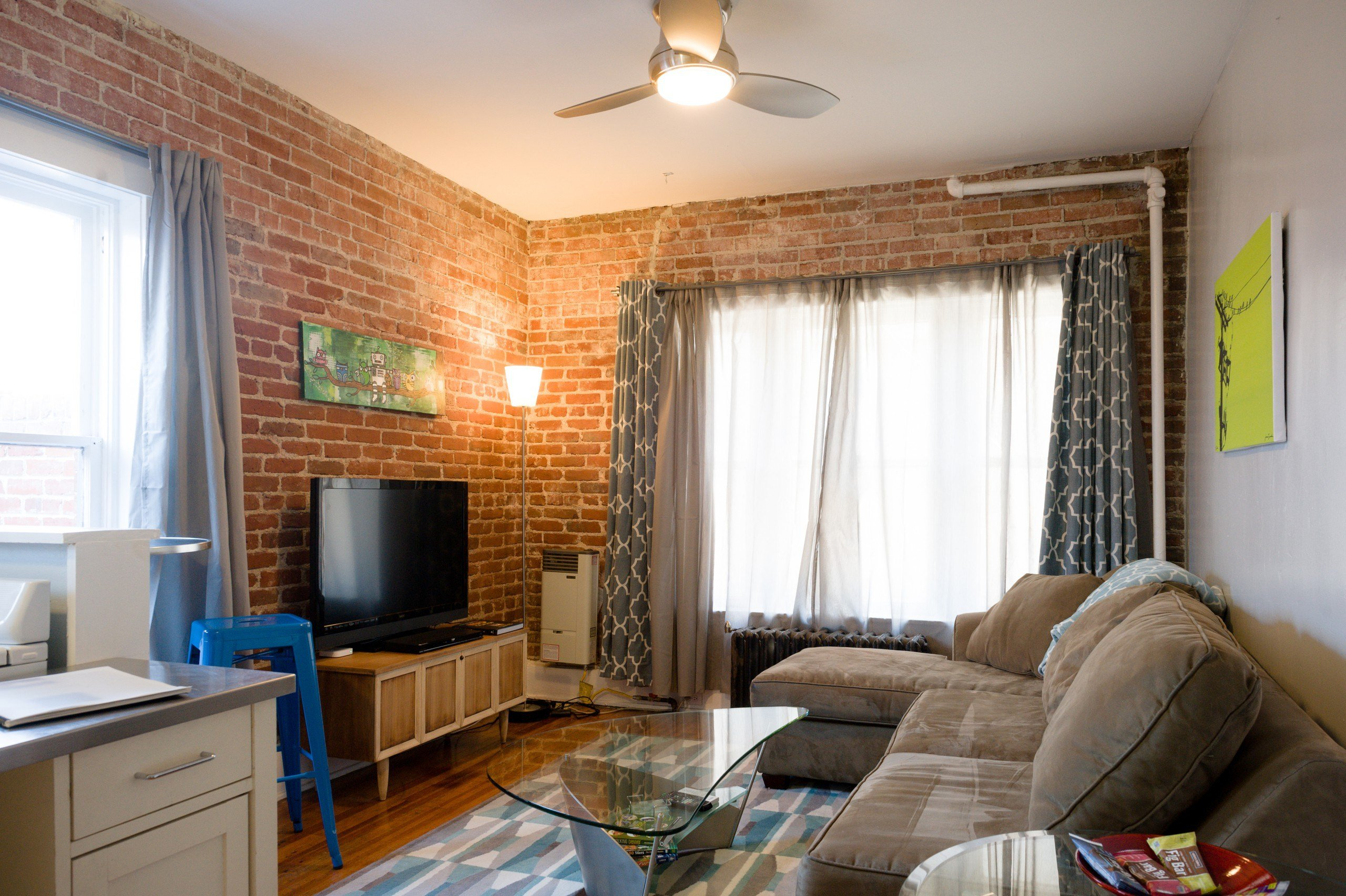 Best Cozy 1 Bedroom Unit In Hip Area Apartments For Rent In With Pictures