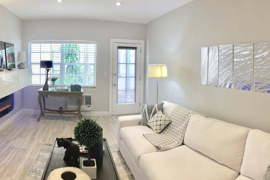 Best Lux 1 Bedroom Parking And Cleaning Included Apartments For Rent In Miami Beach Florida With Pictures
