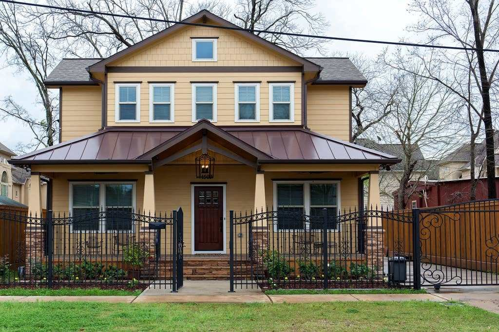 Best Spacious 4 Bedroom Home 1 Mile From Downtown Houses With Pictures