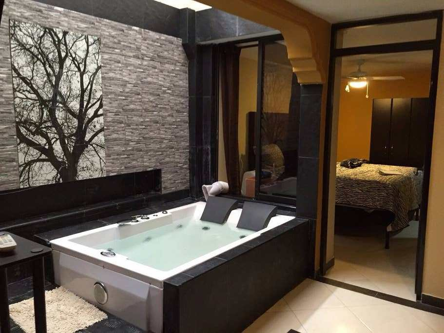 Best The 1 Double Ac 1 Bedroom Hot Tub Apartments For Rent With Pictures