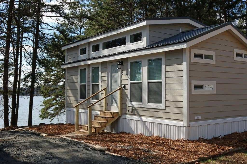 Best Tiny House Big Living 2 Bedroom On The Lake 8 Houses With Pictures