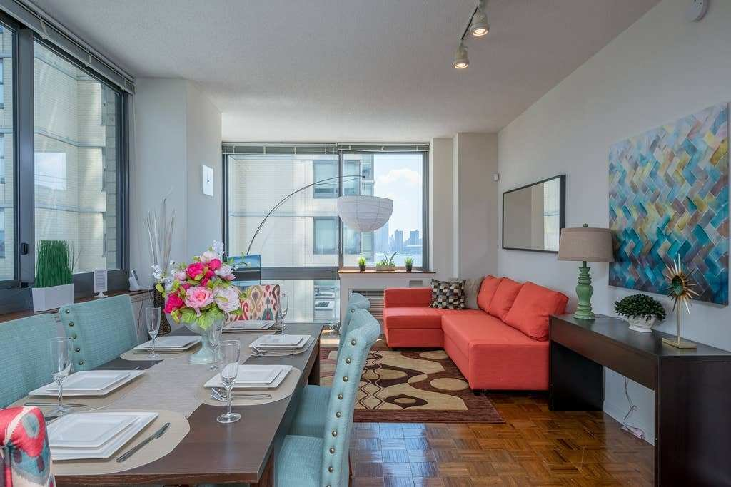 Best Two Bedroom Luxury Apartment Nyc Views Train Apartments For Rent In Jersey City New Jersey With Pictures