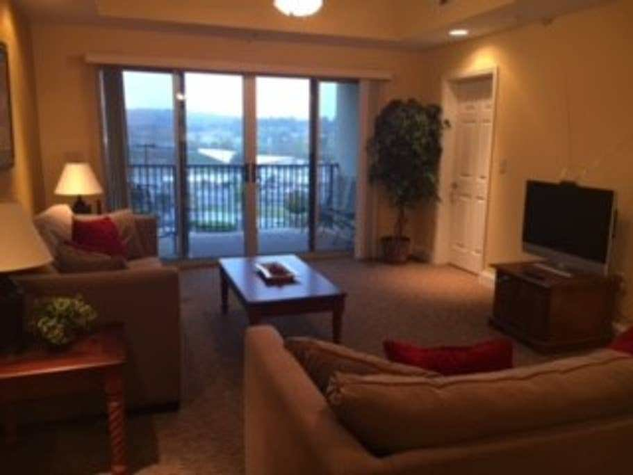 Best Two Bedroom Condo Next To Bristol Motor Speedway With Pictures