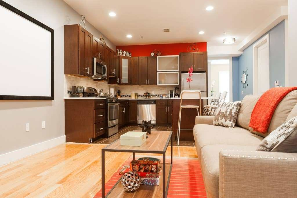 Best Stunning Modern 2 Bedroom Near Nyc Train Apartments With Pictures