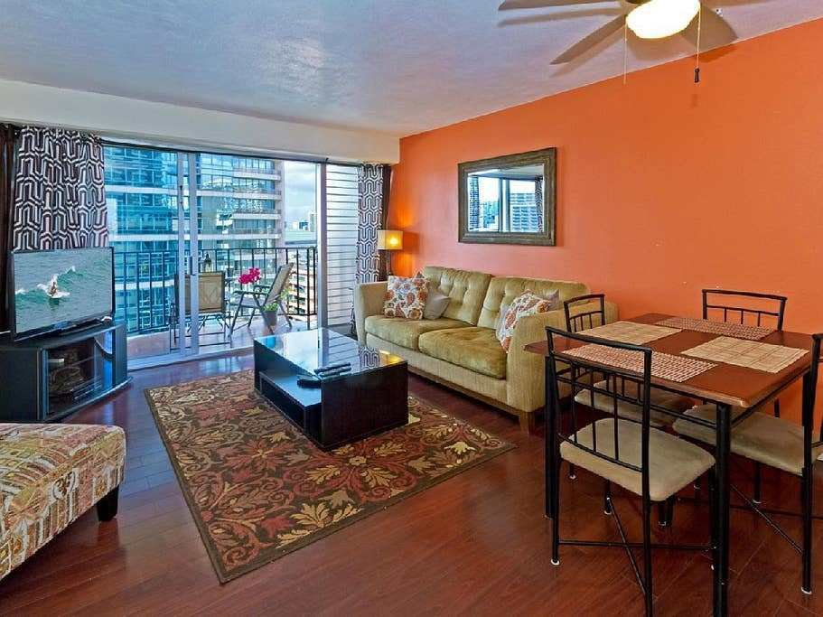 Best Cozy 2 Bedroom Waikiki Vacation Rental Unit Apartments With Pictures Original 1024 x 768