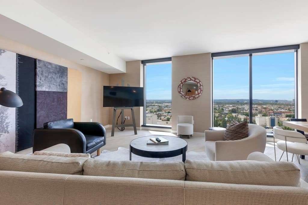 Best Luxury One Bedroom Apartment Apartments For Rent In Los Angeles California United States With Pictures