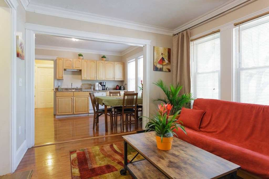 Best Sunny Two Bedroom Condo Apartments For Rent In Boston With Pictures