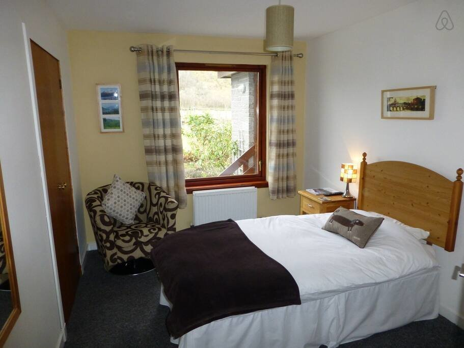Best Single Bedroom With Wash Basin Bed And Breakfasts For With Pictures