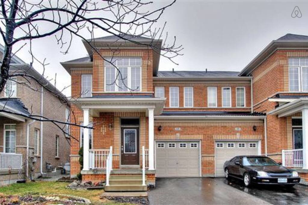 Best Executive 4 Bedroom Home Houses For Rent In Brampton With Pictures
