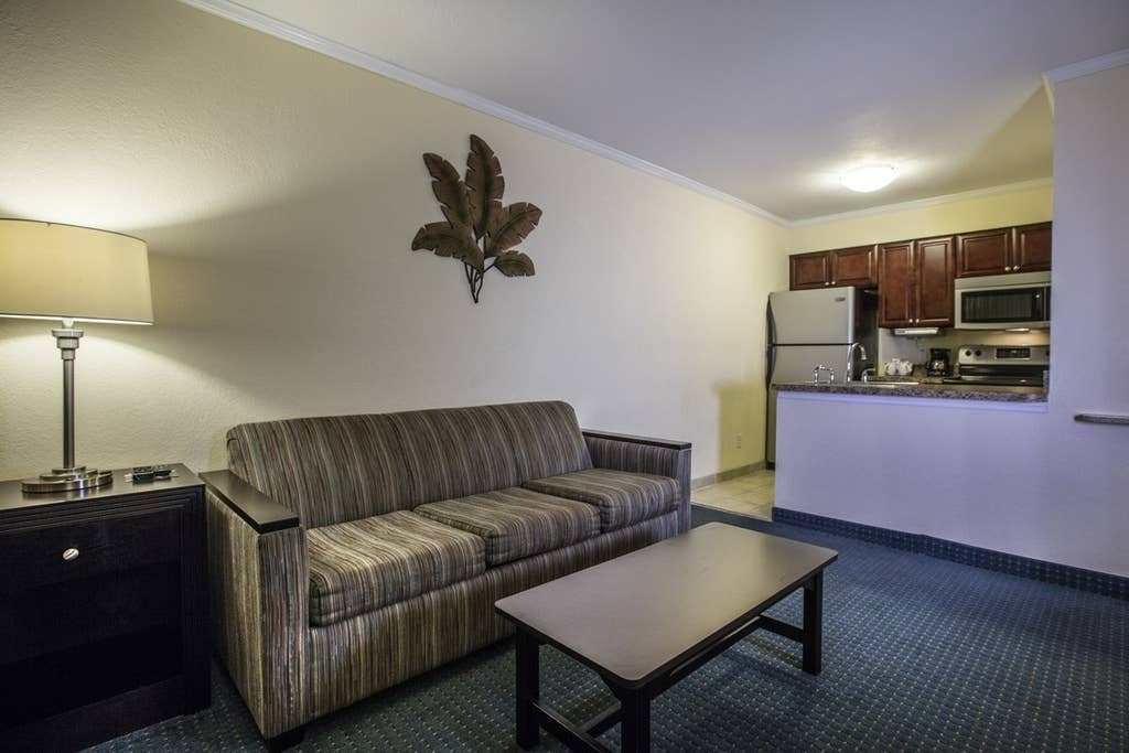 Best Relaxing Waterfront Condo Serviced Apartments For Rent With Pictures