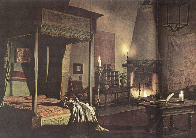 Best Illustration Of Old Fashioned Bedroom Conorboylecmp With Pictures