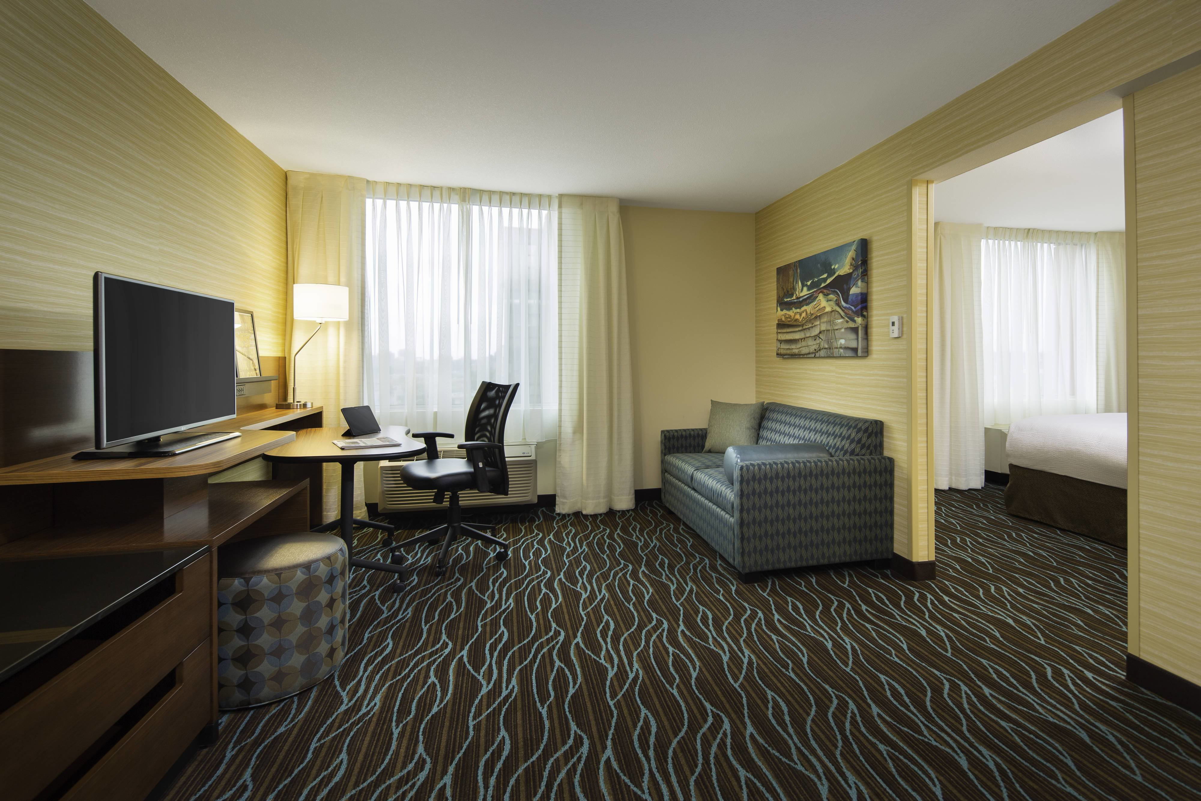 Best Calgary Hotel Suites And Rooms Fairfield Inn Suites With Pictures