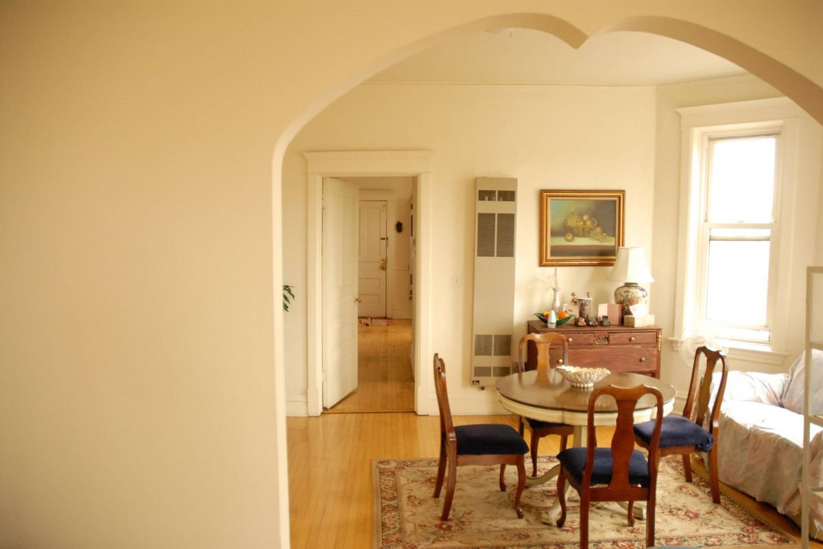 Best Rent This Three Bedroom Apartment In Humboldt Park For 1 239 Curbed Chicago With Pictures