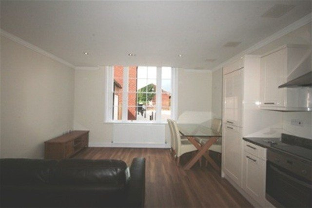 Best Flat For Rent In London Street Reading Rg1 2 Bedroom With Pictures