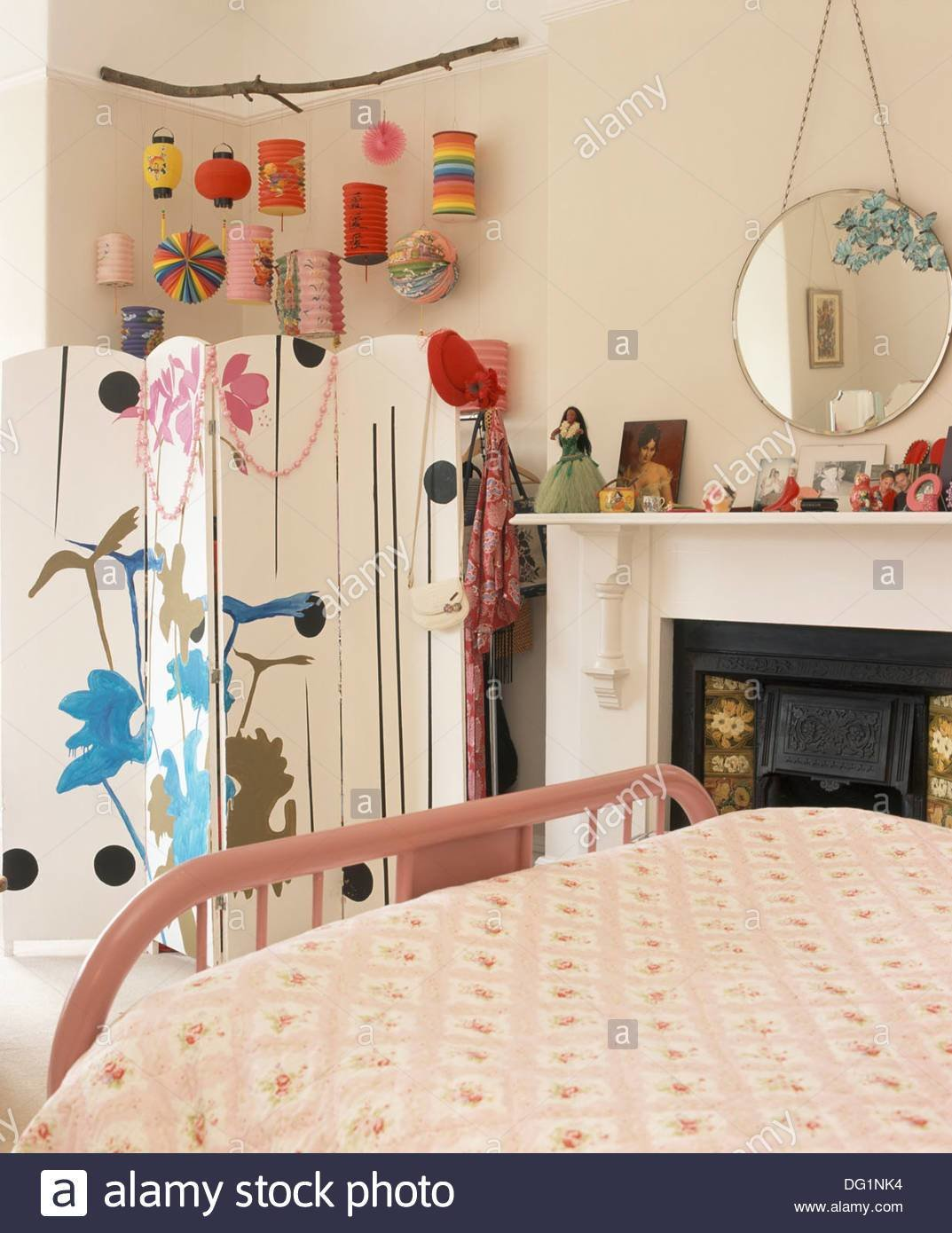 Best Hanging Paper Lanterns In Bedroom Www Indiepedia Org With Pictures