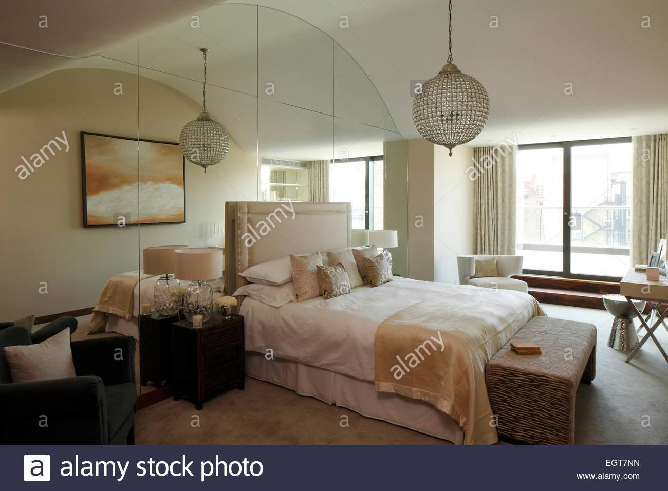 Best Mirrored Ceiling Stock Photos Mirrored Ceiling Stock With Pictures