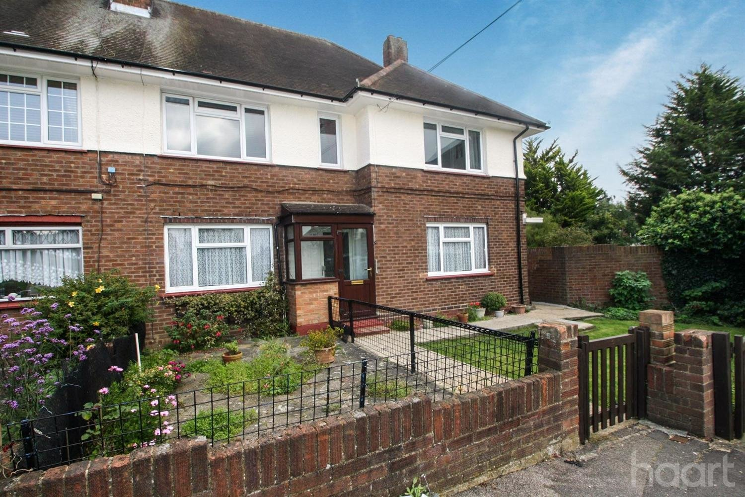 Best 2 Bedroom Maisonette Galleywood Crescent Romford £ With Pictures