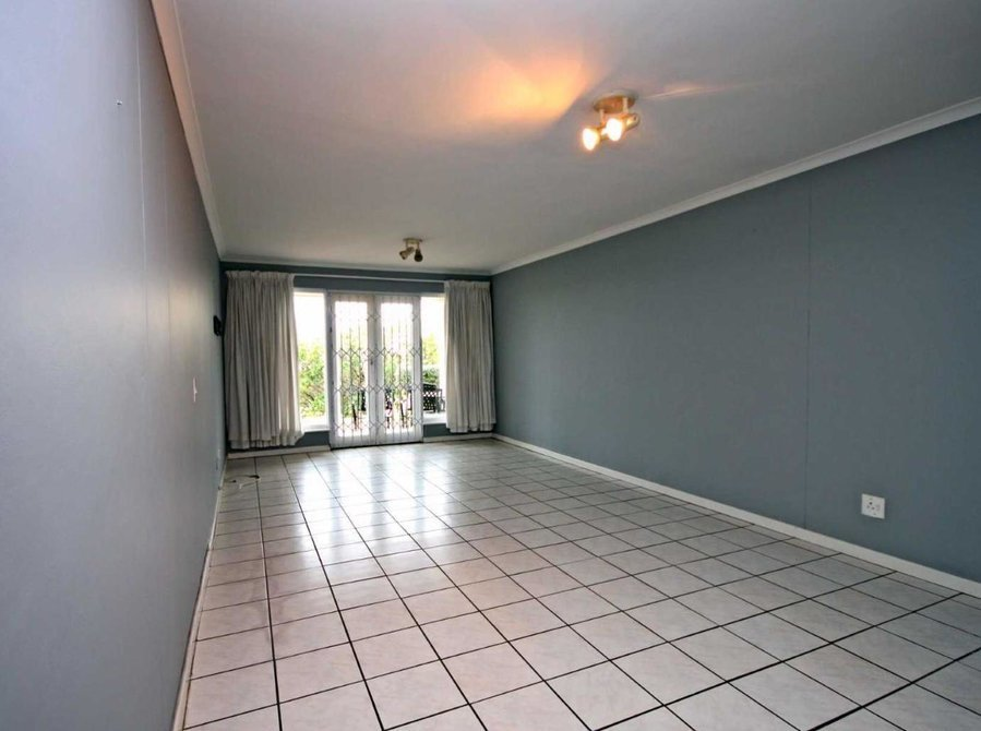 Best 2 Bedroom Apartment Flat To Rent In Vredehoek For Rent With Pictures