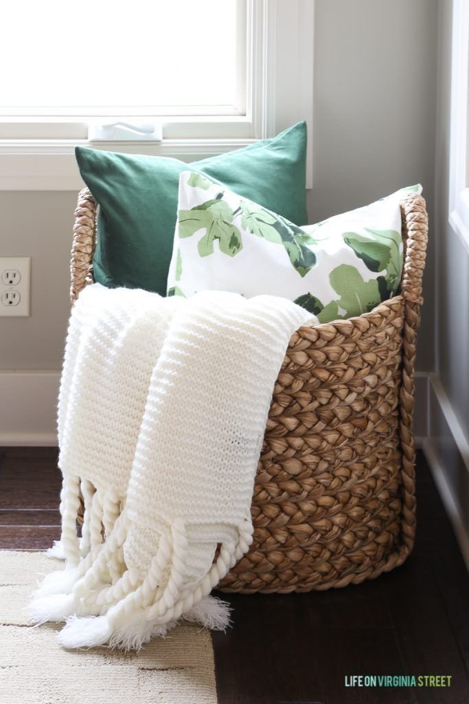 Best 25 Pillow Storage Ideas On Pinterest Spare Bedroom With Pictures