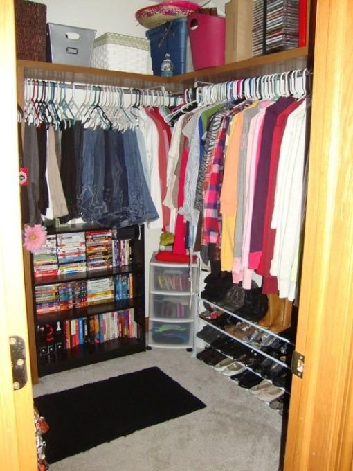 Best My Small Walk In Bedroom Closet I Don T Like This Just With Pictures