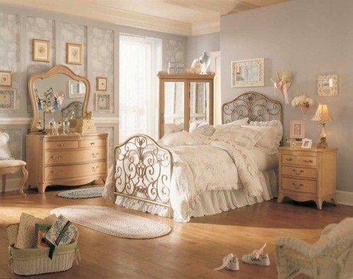 Best 54 Best Old Fashioned Bedroom Images On Pinterest With Pictures