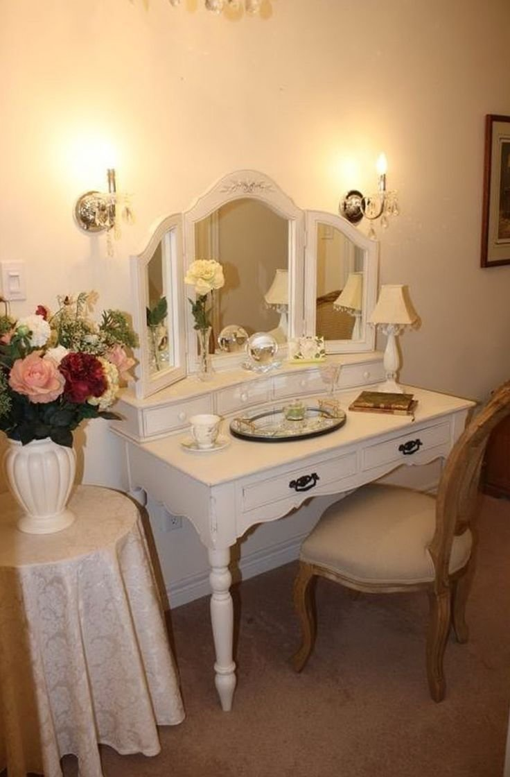 Best 25 Small Vanity Table Ideas On Pinterest Small Bedroom Vanity Small Dressing Table And With Pictures