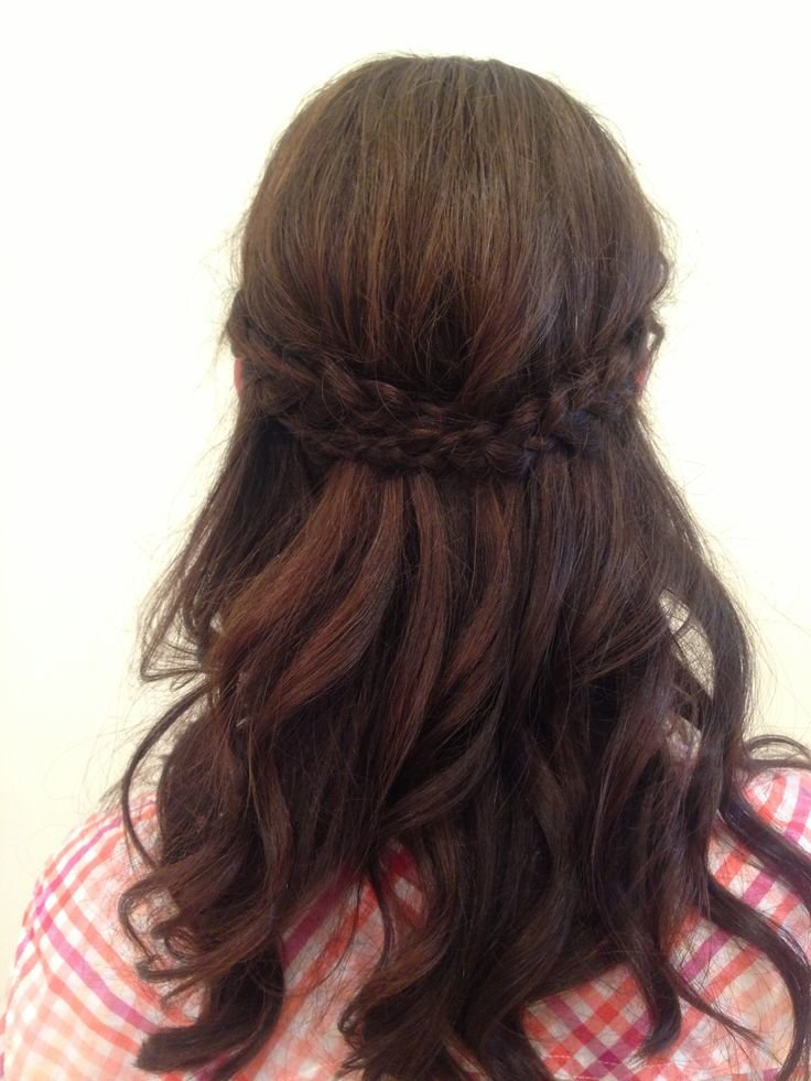 Free Maid Of Honor Half Up Half Down Up Do By Nicolette Wallpaper
