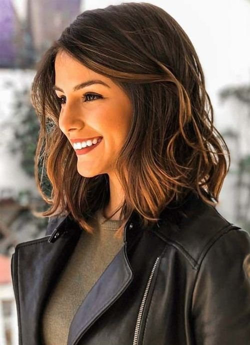 Free Dazzling Shoulder Length Wavy Hairstyles 2019 For Women To Wallpaper