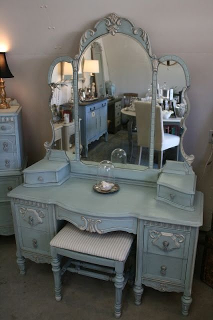 Best 25 Vintage Vanity Ideas On Pinterest Vanity Table With Pictures