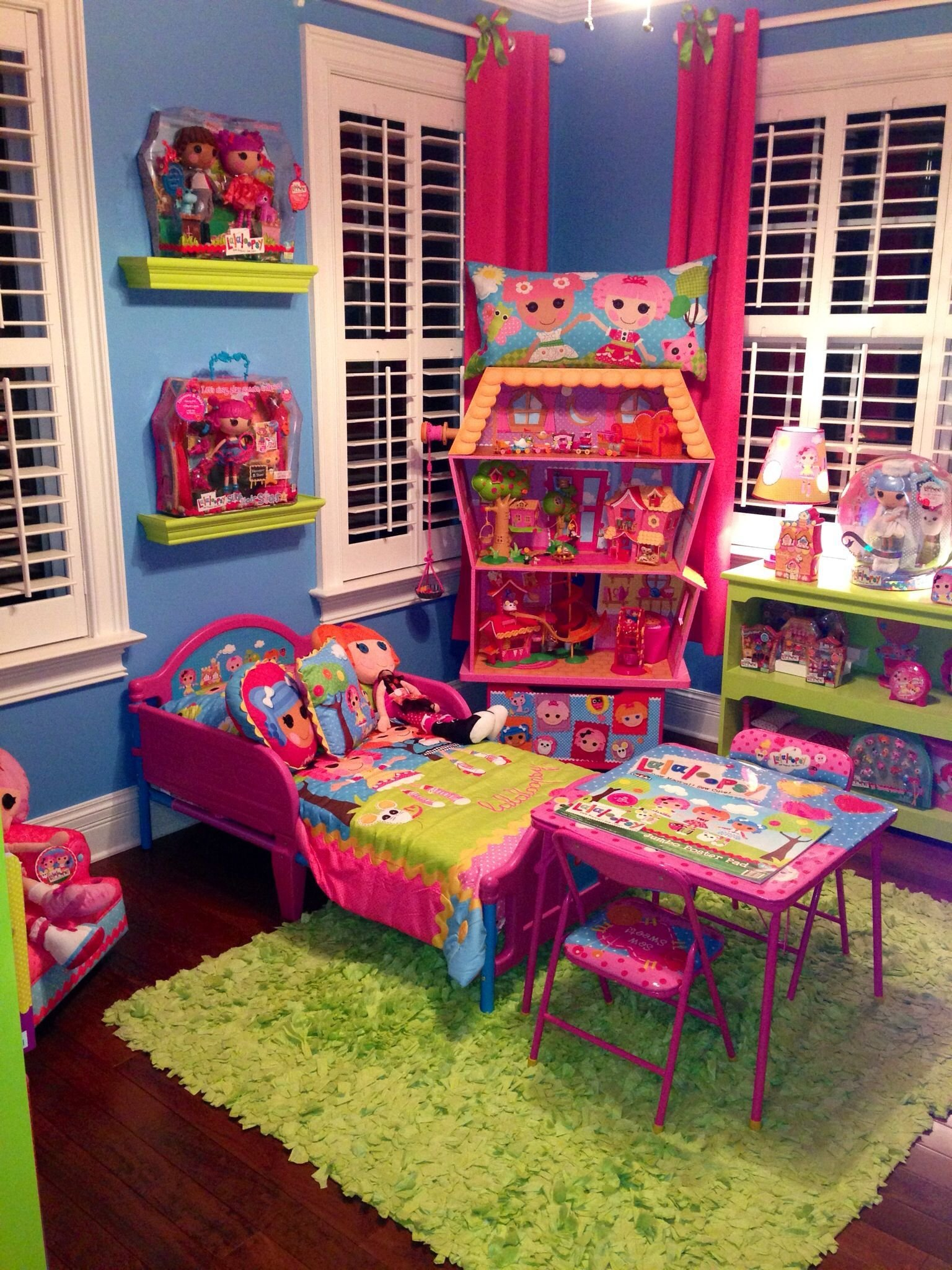 Best Lalaloopsy Bed And Table Lalalovely Living T**N Girl With Pictures