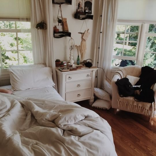 Best Cozy White Warm Bohemian Bedrooms From Moon To Moon With Pictures