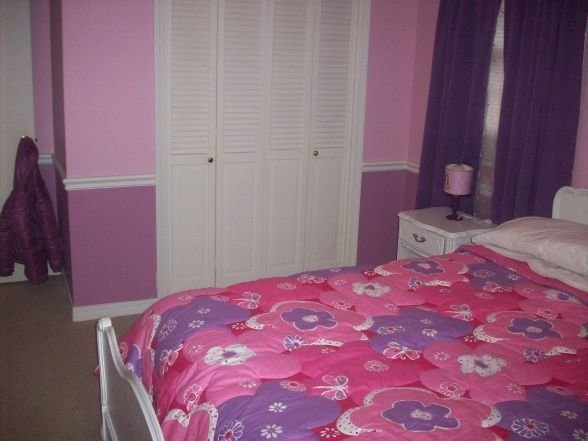 Best Pink And Purple Girls Room Love The Two Tones On The Wall For The Home Girls Bedroom With Pictures
