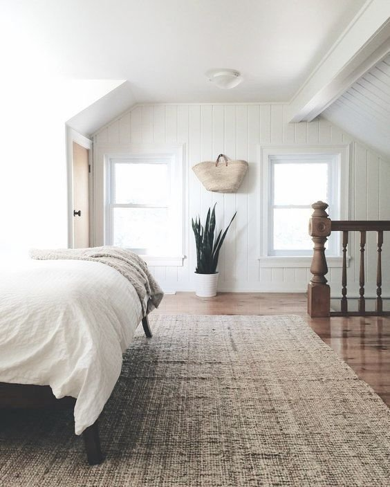 Best Simple Minimalist Bedroom With Snake Plant White Bedding With Pictures