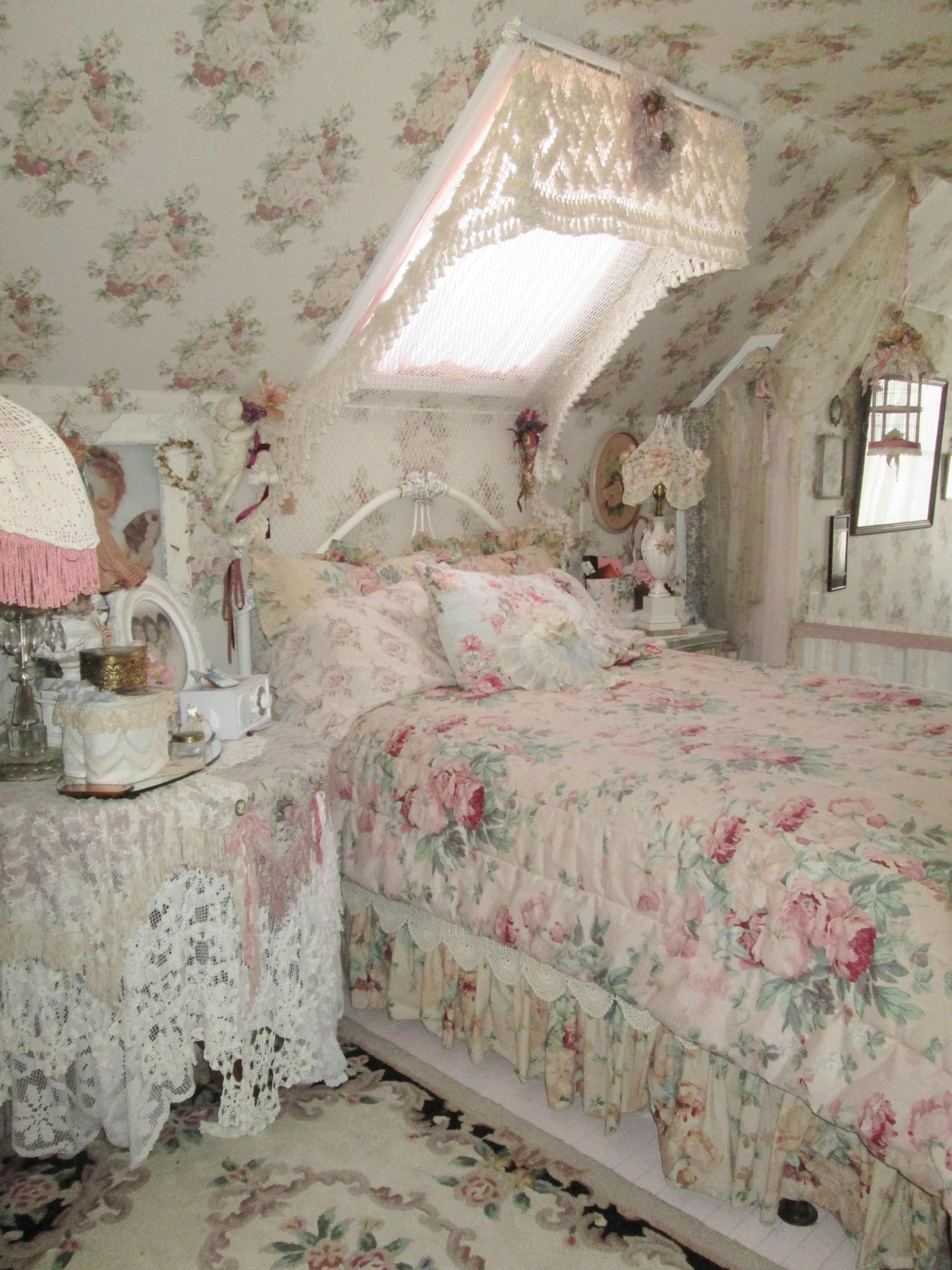 Best Shabby Pink Rose Bedroom Romantic Cottage Shabby Chic With Pictures
