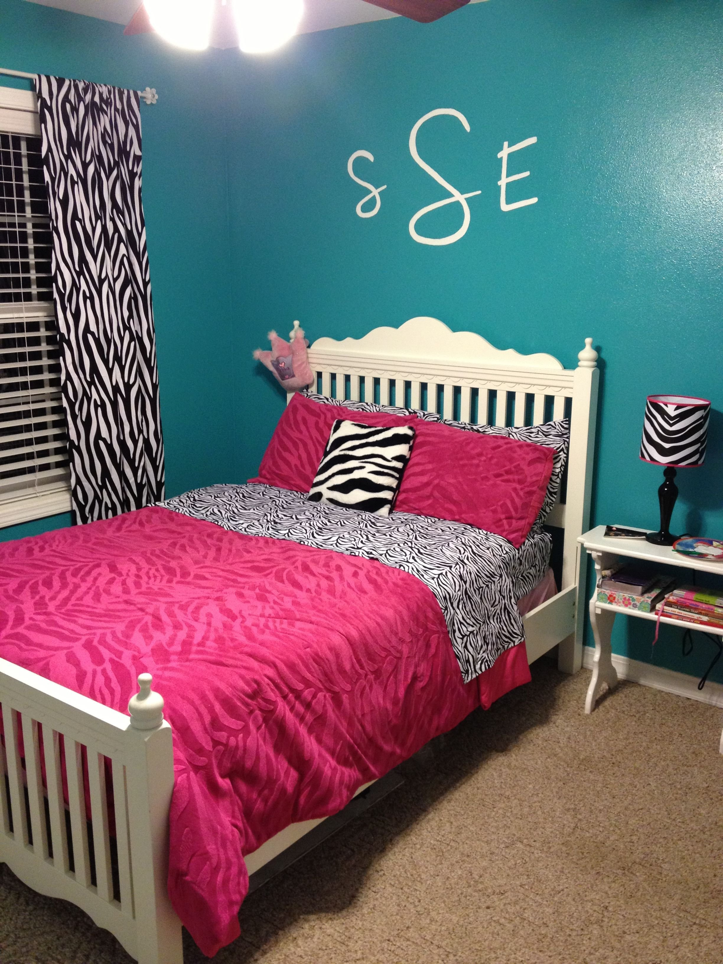 Best Savannah Bedroom Makeover Pink Zebra Striped And Teal With Pictures