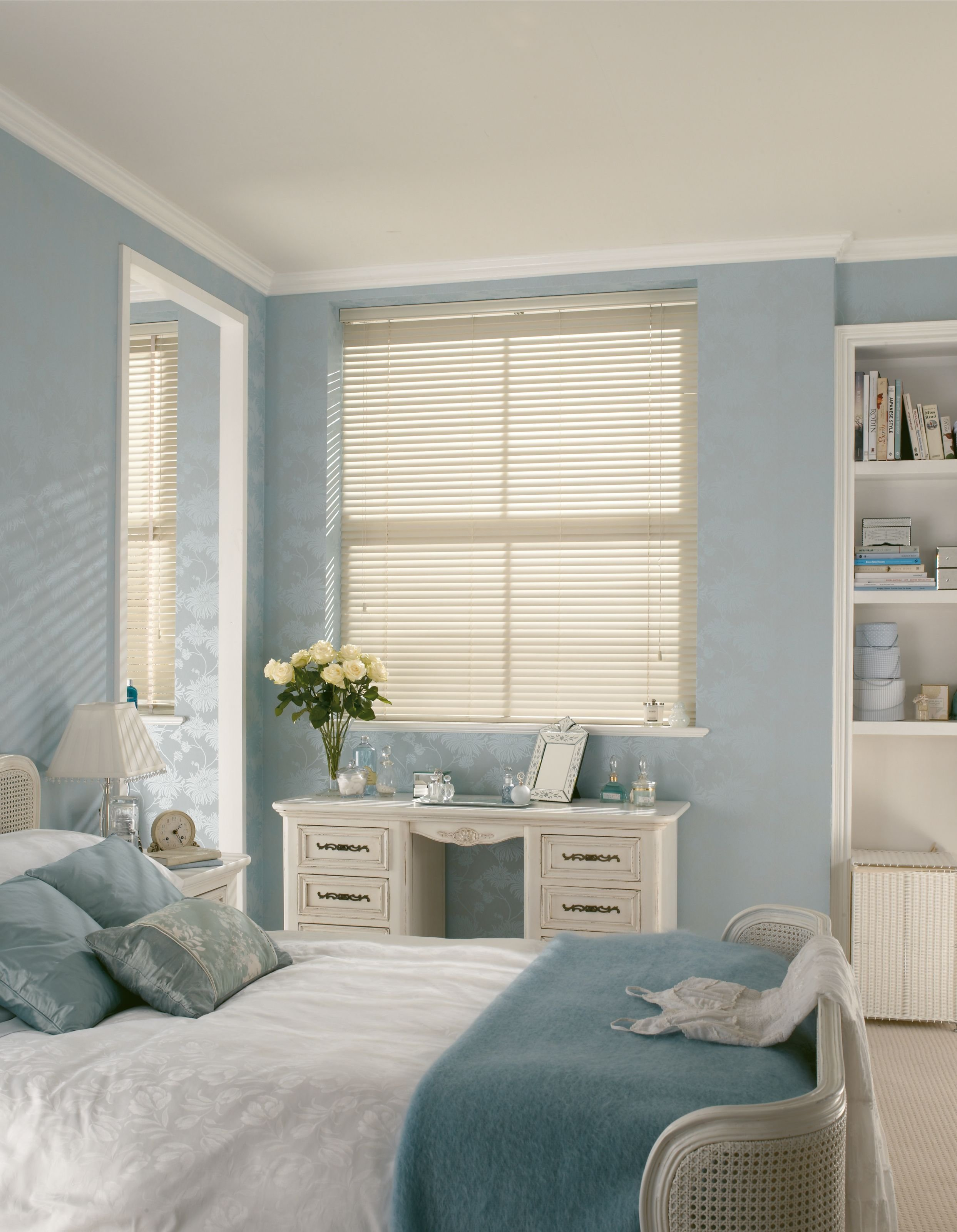Best White Wood Venetian Hillarys Blinds Pastel Interiors With Pictures