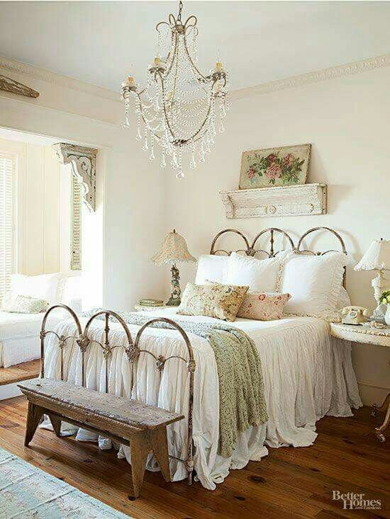 Best 30 Cool Shabby Chic Bedroom Decorating Ideas Home With Pictures