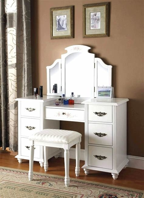 Best 97 Fantastic Makeup Station For Bedroom Picture With Pictures