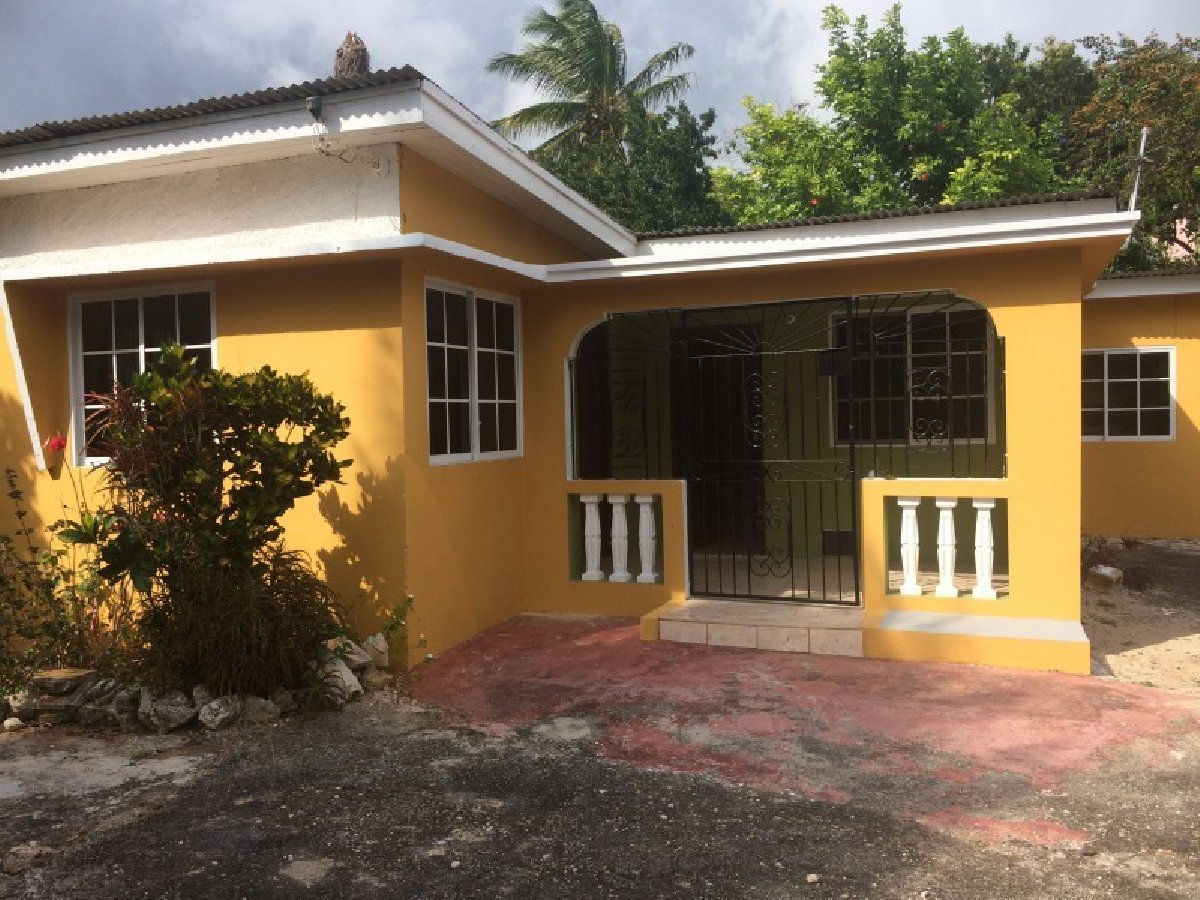 Best 3 Bedroom 1 Bathroom House For Rent In Mandeville Manchester Jamaica Manchester With Pictures