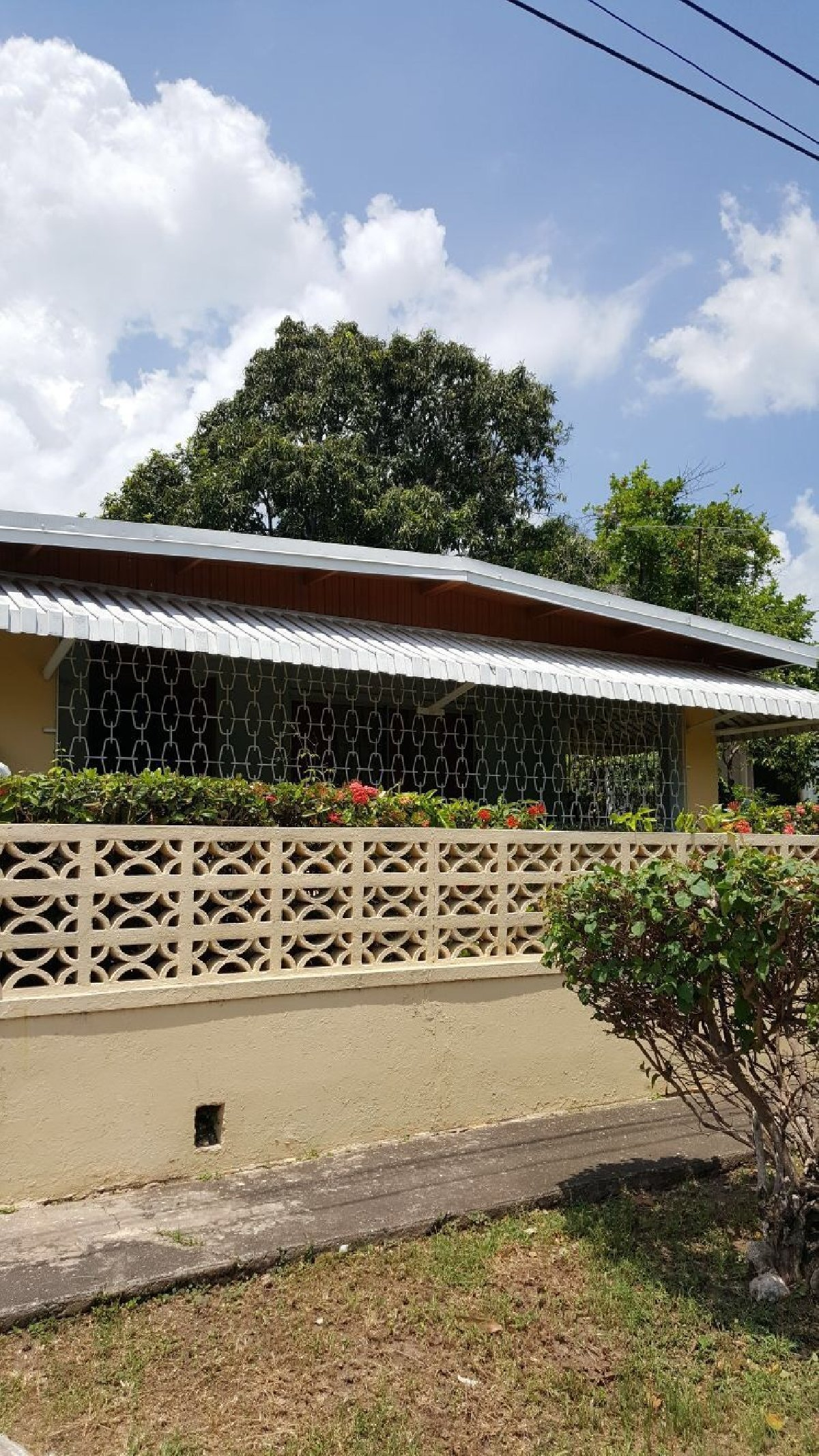 Best 3 Bedroom 2 Bathroom House For Sale In Kingston Jamaica Kingston St Andrew Houses With Pictures