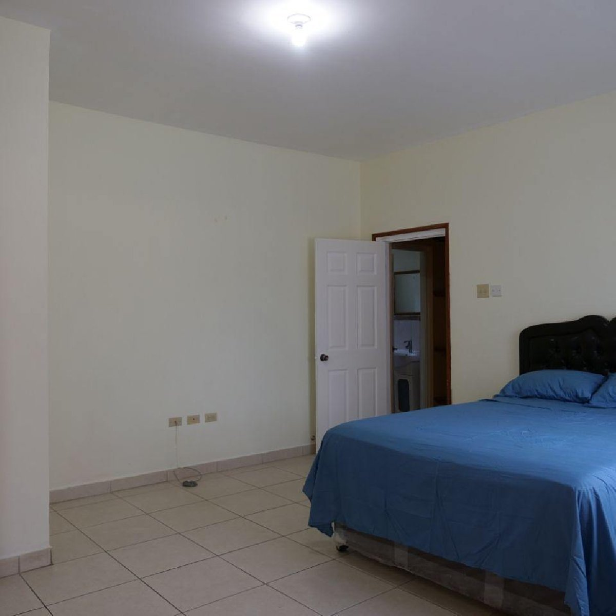 Best 2 Bedroom 2 Bathroom Madison Apartments For Rent In Havendale Kingston Jamaica Kingston St With Pictures