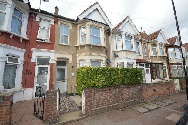 Best 3 Bedroom Terraced House For Sale In Skeffington Road East Ham London E6 E6 With Pictures