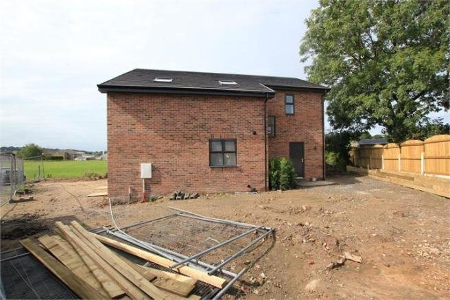 Best 4 Bedroom Detached House For Sale In Moorfield Avenue With Pictures
